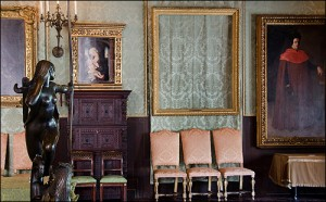 Theft at Isabella Stewart Gardner Museum  in 1990.